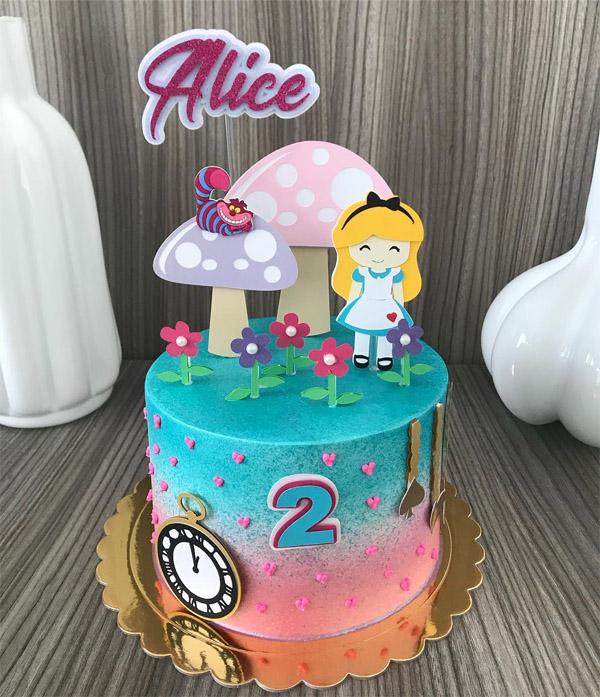 Bolo Alice no País das Maravilhas