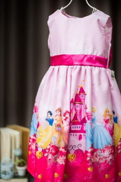vestido infantil das princesas